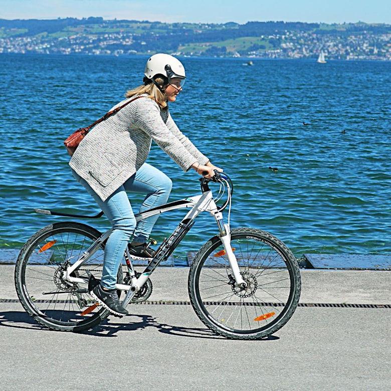 cp e bike helm - beste fietshelm met vizier voor brildragers bij zurich zee